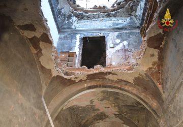 Catania: crollo in un vecchio edificio