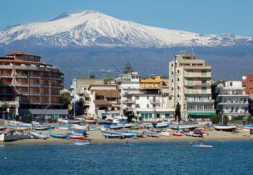 Giardini Naxos, la montagna partorì...