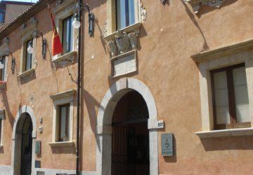 Taormina: Ritiro delle deleghe, intimidazione o svolta?