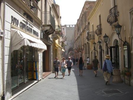 Al via convegno Forza Italia a Taormina