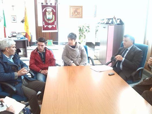 Il M5S Riposto incontra il sindaco di Zafferana Alfio Russo per un confronto sulla gestione dei rifiuti