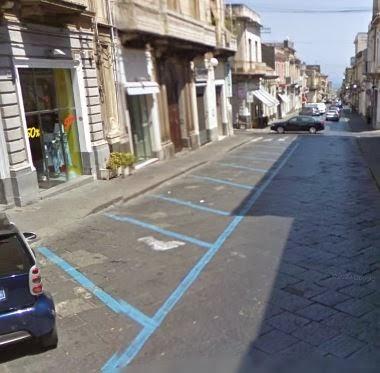 Giarre, frazione oraria strisce blu, commercianti dal sindaco