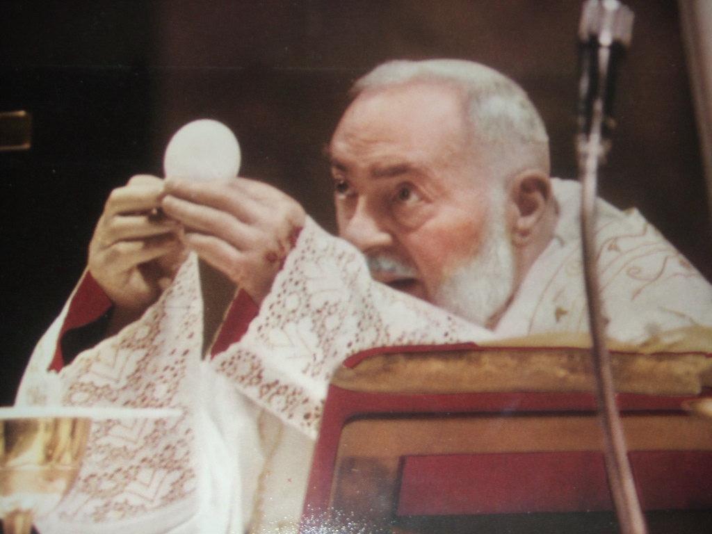 Risultati immagini per san Padre Pio Pietrelcina
