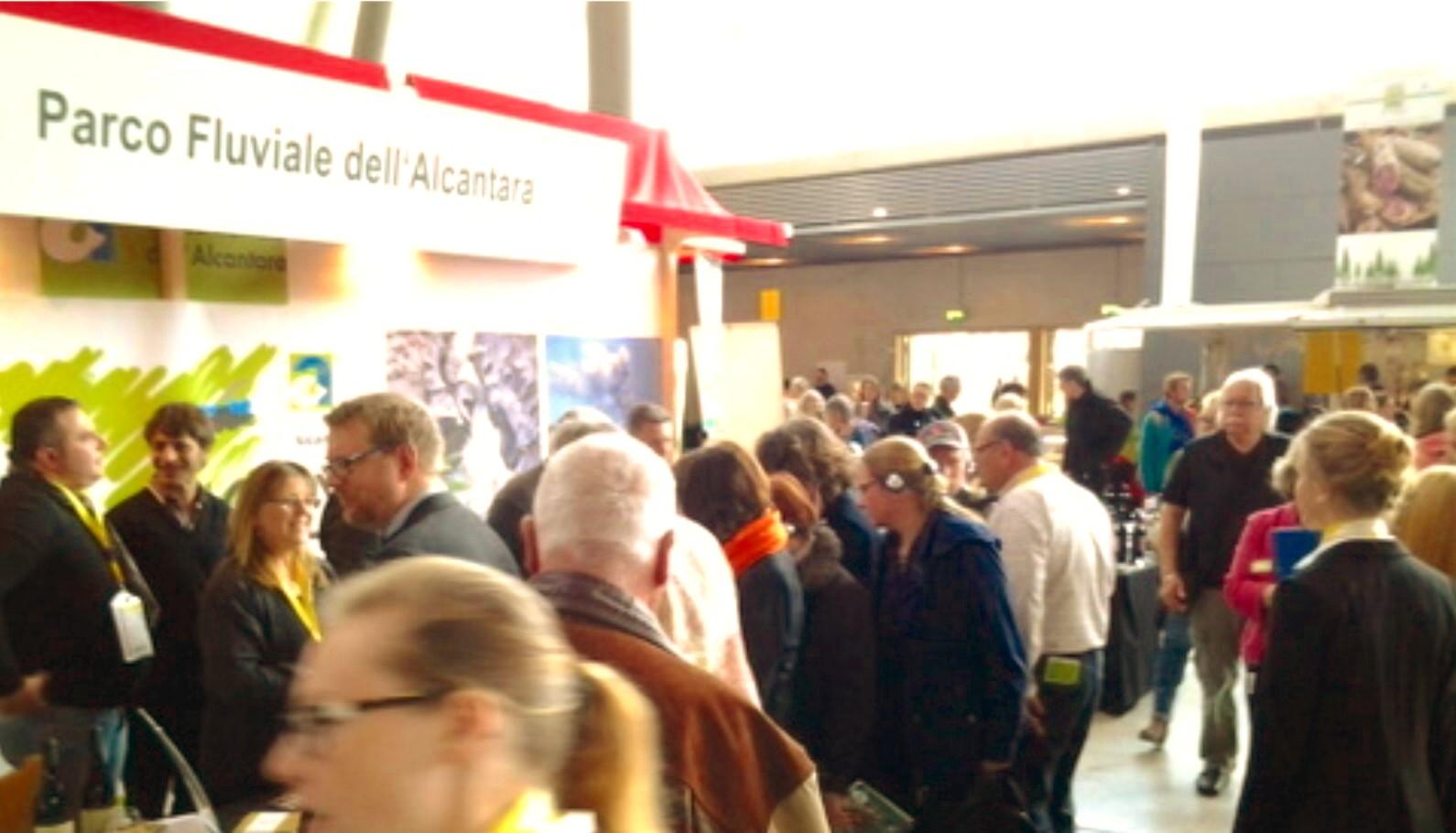 """Parco Fluviale dell'Alcantara alla """"Fiera Slow Food"""" di Stoccarda: bilancio positivo per venti aziende"""