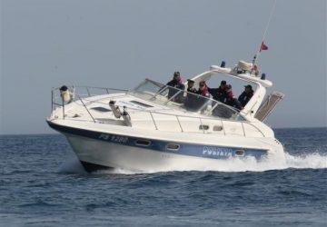 Catania, salvataggio in mare a Ognina