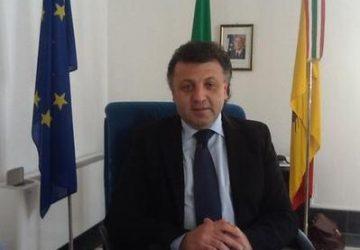 Zafferana, sindaco Russo lancia nuova mattonella