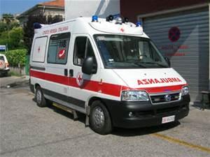 Riposto, incidente in via Libertà: sei feriti lievi
