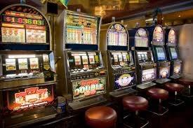 Giarre, a San Giovanni Montebello sequestrate 2 slot machine