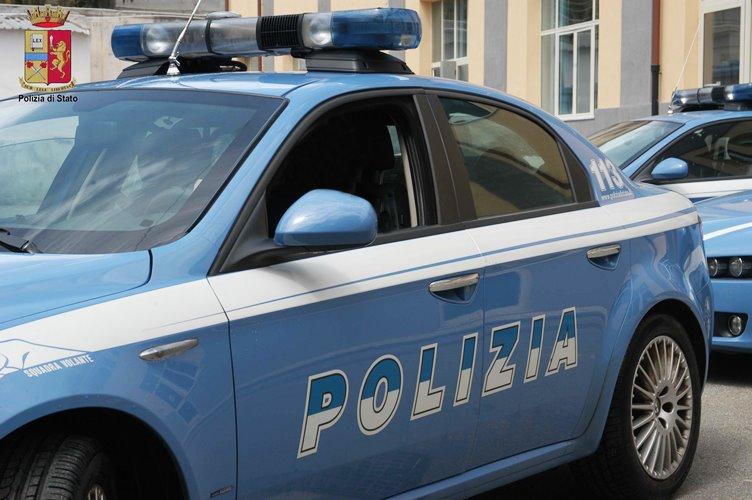 Catania, incidente sul lavoro 22enne cade da un furgone: una denuncia