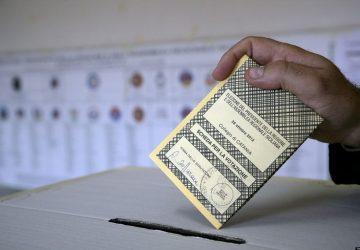 Vigilia delle elezioni amministrative: M5S primo partito, Pd a 3 punti e mezzo