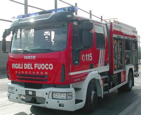 Zafferana: continua la sequela di incendi auto