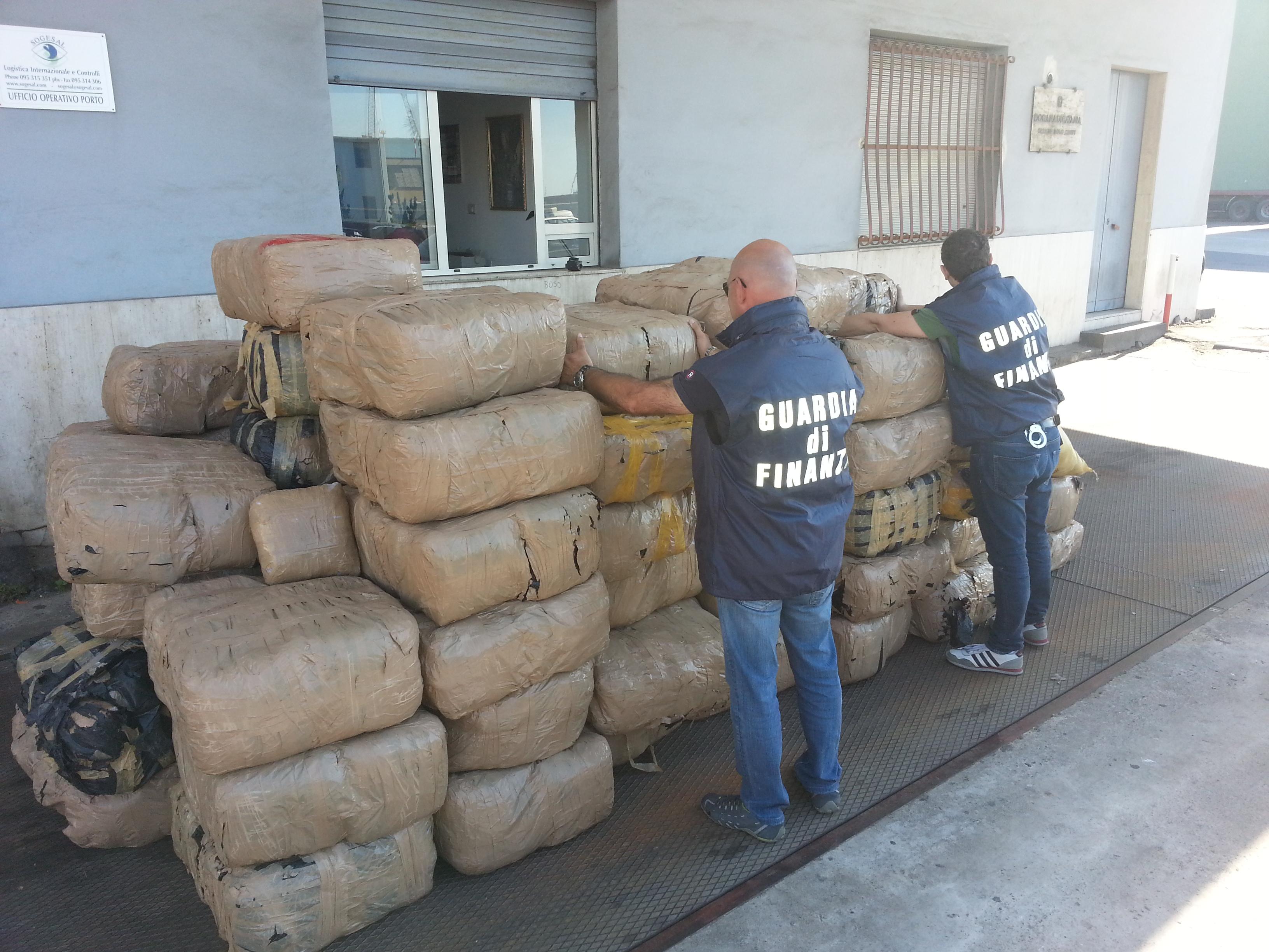 Catania, Guardia di Finanza sequestra 2 mila chili di marijuana