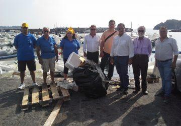 Aci Trezza, avviato il servizio volontario di pulizia del mare