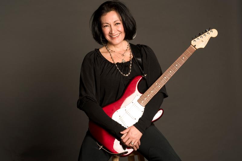 Giarre, la corista dei Pink Floyd Machan Taylor domani alla presentazione del concerto in Municipio