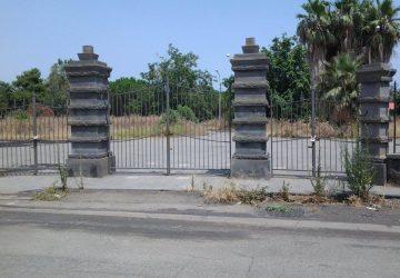 Mascali, la villa comunale abbandonata