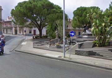 La Nostra Mascali denuncia degrado nella villetta di piazza IV Novembre