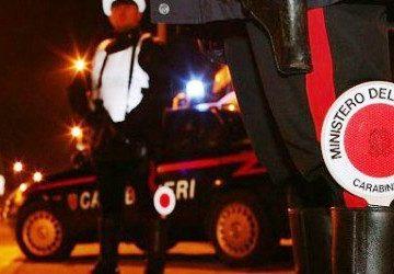 Acireale, non si fermano a posto di controllo: arrestati