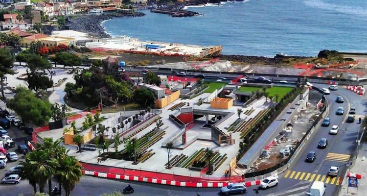 """Catania, """"no"""" al lungomare trasformato in centro commerciale"""