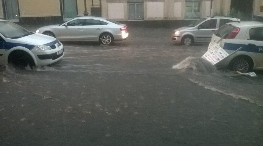 """Allerta meteo """"Giallo"""" area jonica per piogge intense. Disservizi nel servizio idrico a Giarre"""