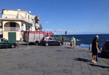 Torre Archirafi: vigili del fuoco intervengono in zona porto per un sub in difficoltà. Allarme rientrato