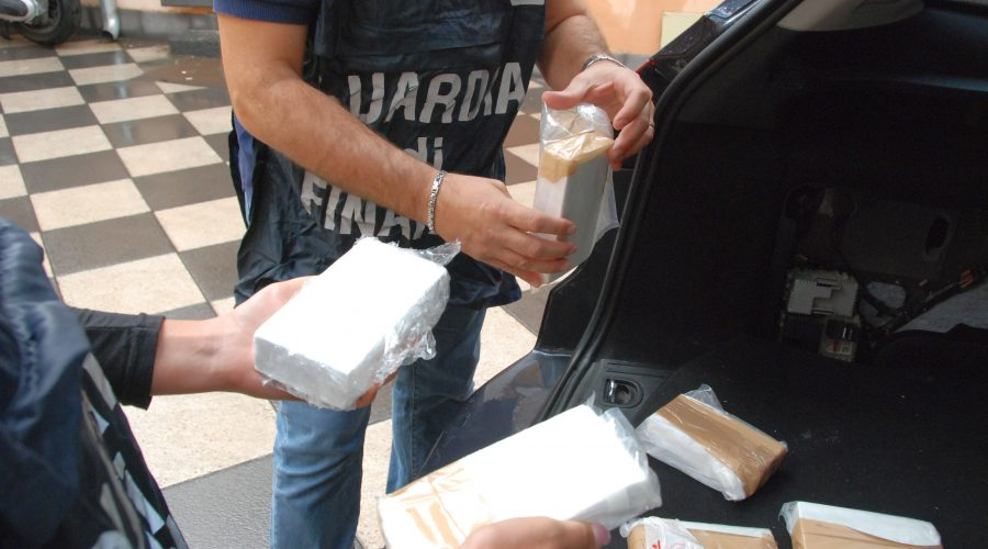 Catania: sequestrati oltre 3 chili e mezzo di cocaina. Arrestate 2 persone