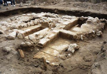 Calatabiano, scoperta necropoli romana