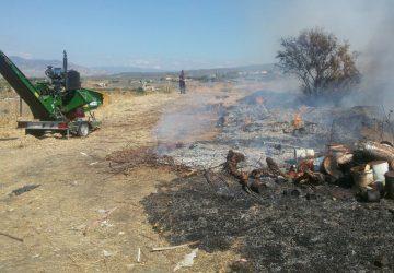 Adrano: rifiuti in fiamme nella discarica dismessa