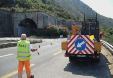 Autostrada Catania-Siracusa: tre operai dell'Anas travolti e uccisi da un Tir