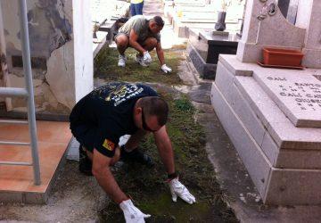 Marines Usa ripuliscono il cimitero di Riposto VD