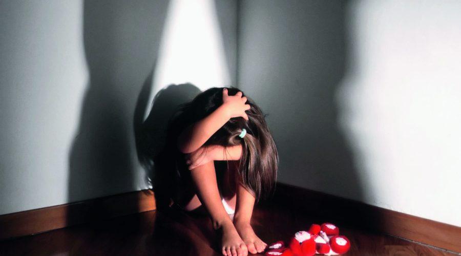 Sevizie e maltrattamenti sulla figlia minore di anni 6: arrestata una coppia di conviventi