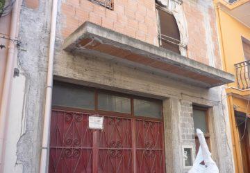 Calatabiano, l'autoparco comunale nei locali di un bene confiscato alla mafia