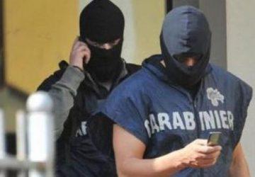 Blitz antimafia nel catanese: arrestate 16 persone