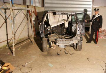 Giarre (frazione Sciara) scoperto deposito clandestino auto rubate
