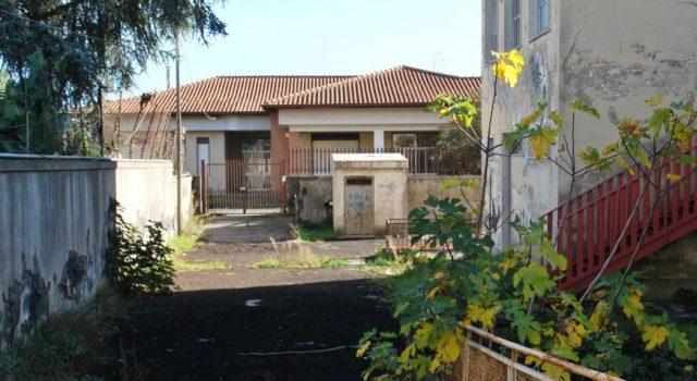Giarre, ex asilo comunale all'abbandono
