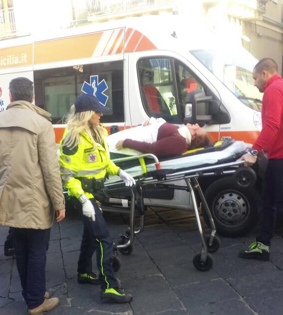 Giarre, grave incidente in via Callipoli: quattro feriti