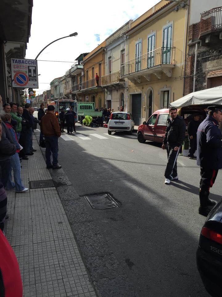 Fiumefreddo, anziano si getta dal balcone e muore VIDEO