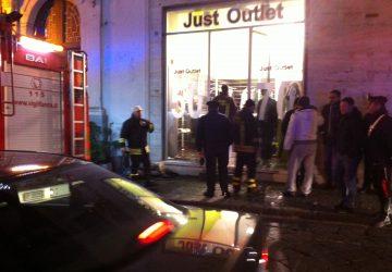 Giarre, attentato a negozio di corso Italia VIDEO