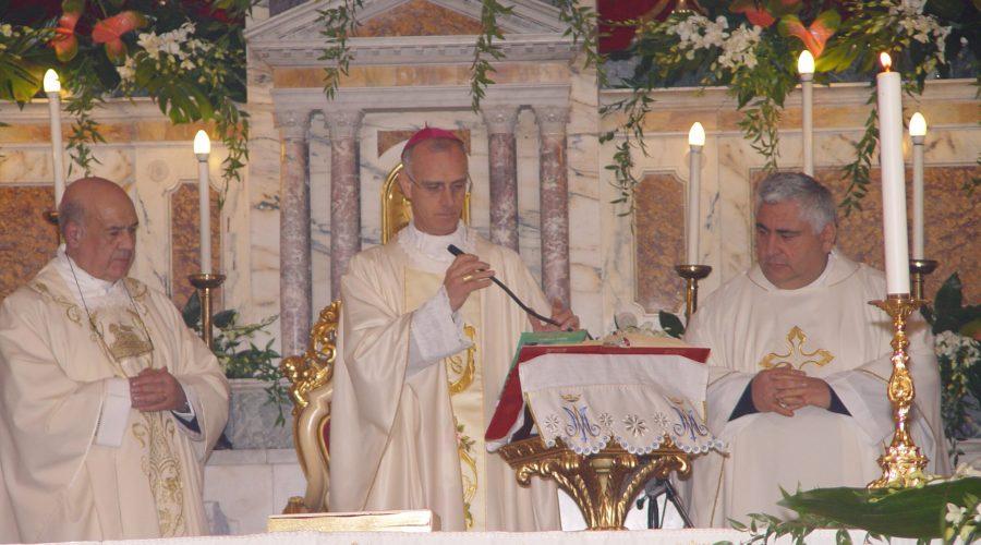 Mascali festeggia don Rosario Di Bella