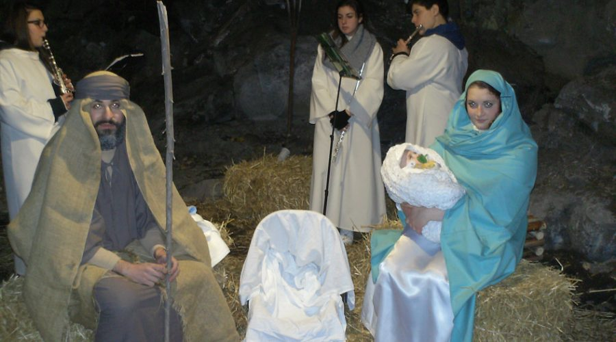 "A San Pietro Clarenza due presepi ""unici"""