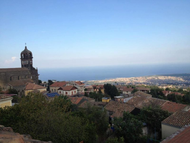 Sant'Alfio, minacce e maltrattamenti alla convivente: arrestato
