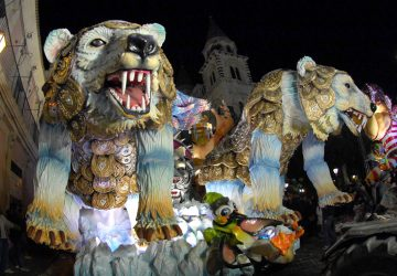 Acireale, il Carnevale sconfitto dal maltempo. Graduatoria finale dei carri affidata solo ai voti della giuria tecnica