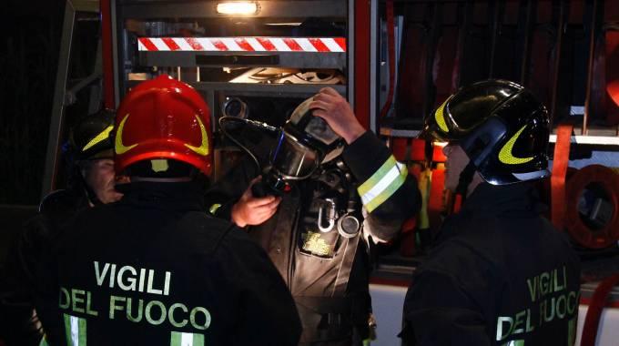 Mascali, principio di incendio in una abitazione. Intervento dei vigili del fuoco