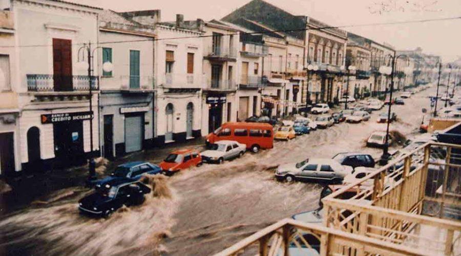Giarre, alluvione del 13 marzo 1995 VIDEO