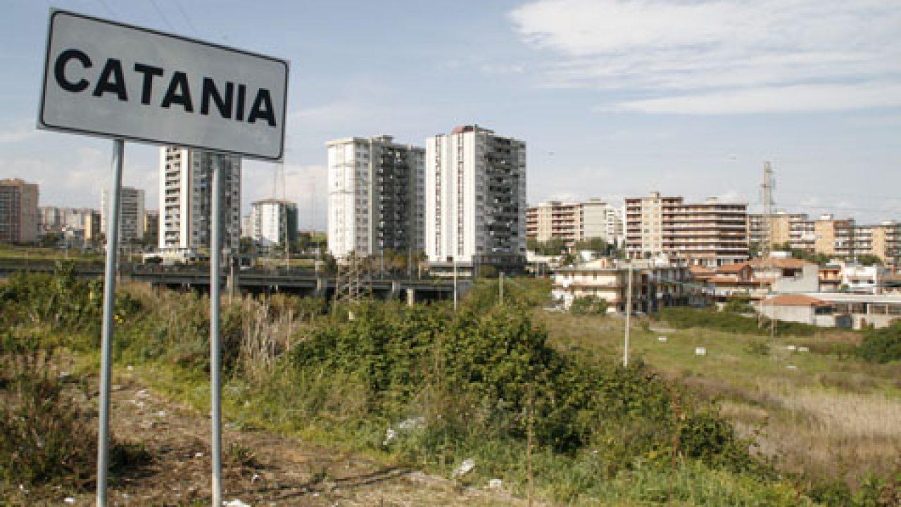 Raccolta Ferro Vecchio Catania catania, controlli a tappeto della polizia a librino -