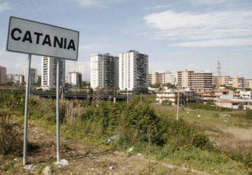 Catania, controlli a tappeto a Librino: reati ambientali e occupazione illegale di edifici