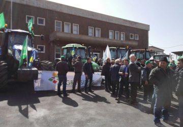 Catania: contro l'Imu agricola i trattori alle porte della città