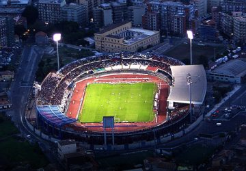 Catania, allo stadio con 50 bombe carta, mazze di ferro e da baseball: arrestato tifoso del Matera. 33 denunce