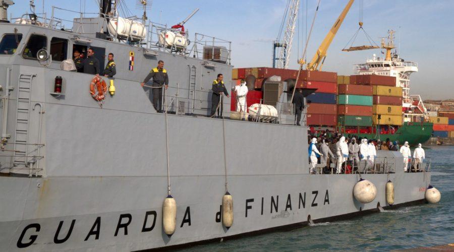 Catania, arrestati due scafisti