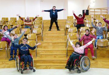 """A Trecastagni """"Provare per credere"""": spettacolo teatrale con 11 attori disabili"""