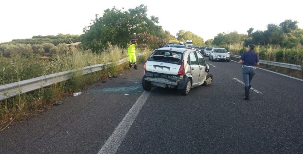 fiumefreddo incidente in autostrada interviene